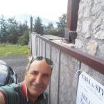 L'AGENZIA IMMOBILIARE STUPISCE IL CLIENTE: VENDERE CASA IN UN GIORNO DI FESTA!