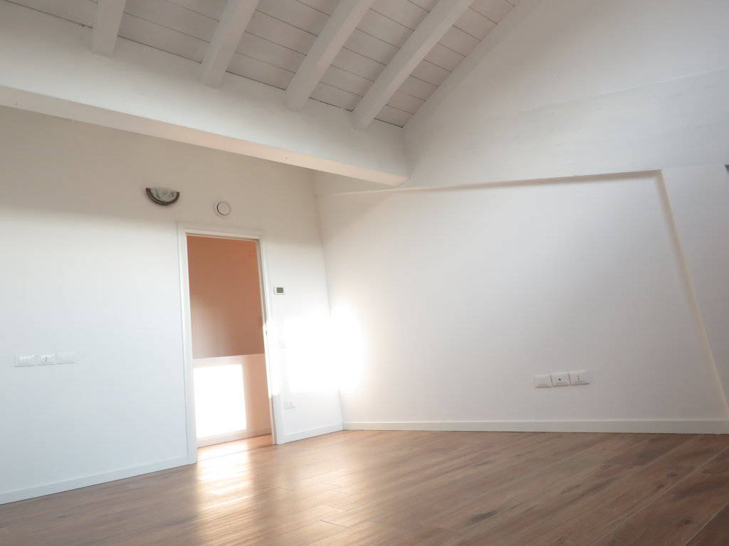 4-locali-con-terrazzo-in-vendita-a-Burago-di-Molgora-Brianza-4