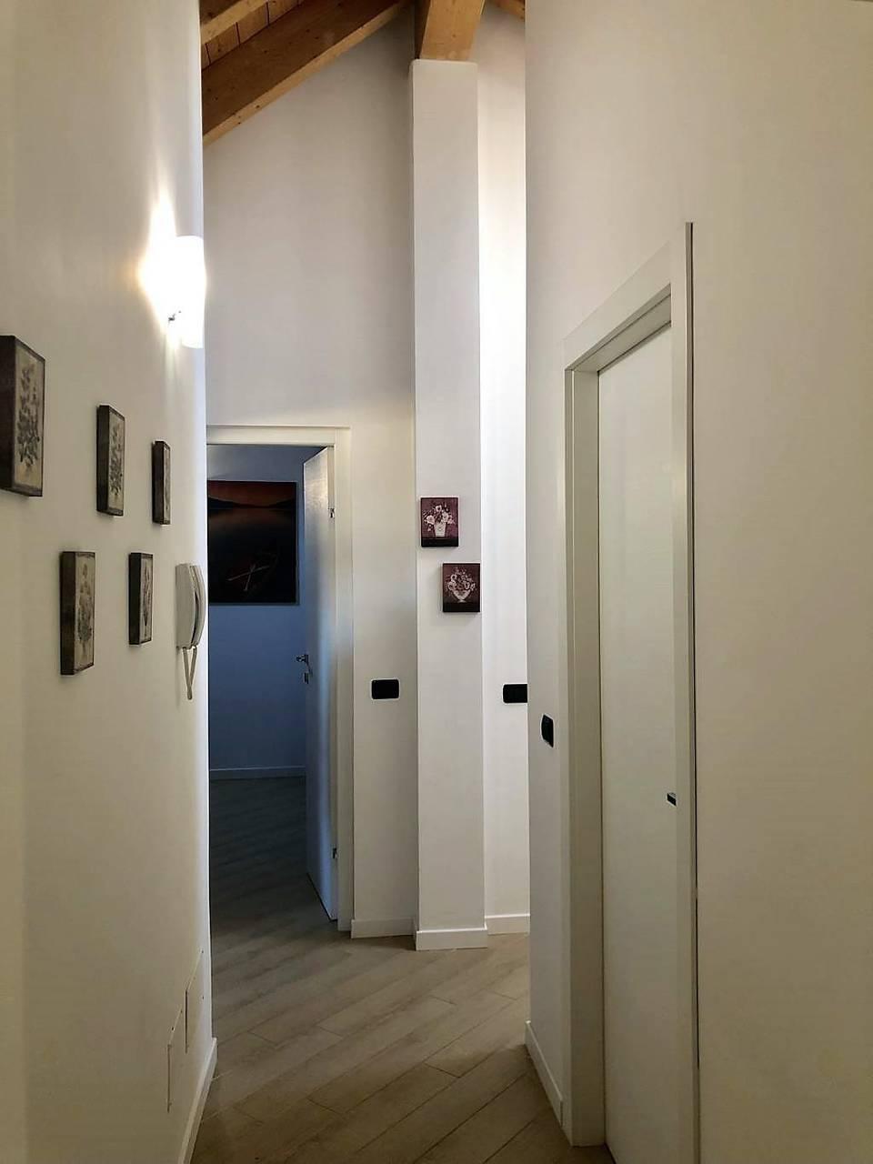 Appartamento-4-locali-con-giardino-in-vendita-a-Carnate-16