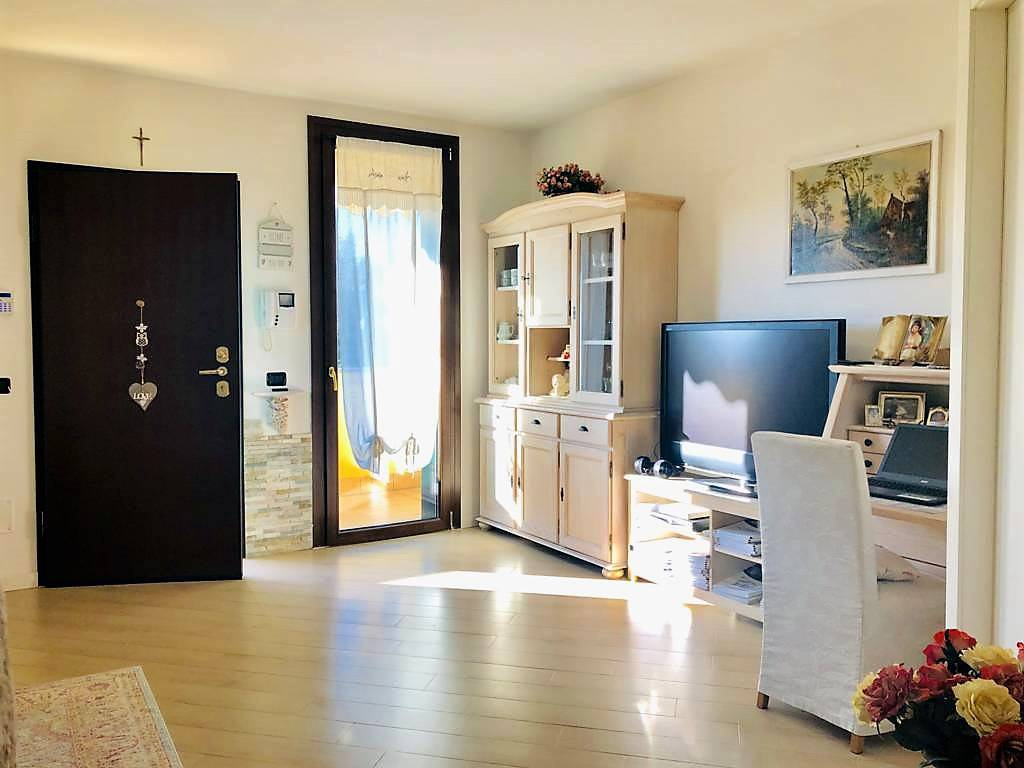 Appartamento-4-locali-con-giardino-in-vendita-a-Carnate-4