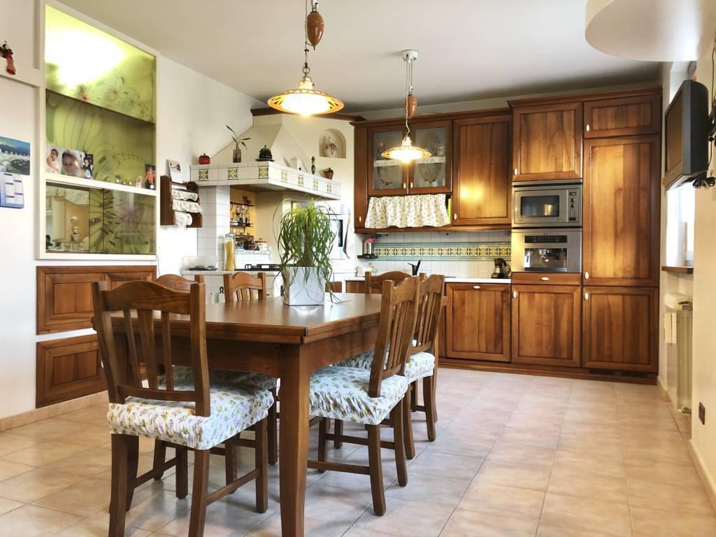 Appartamento-4-locali-giardino-in-vendita-Busnago-4