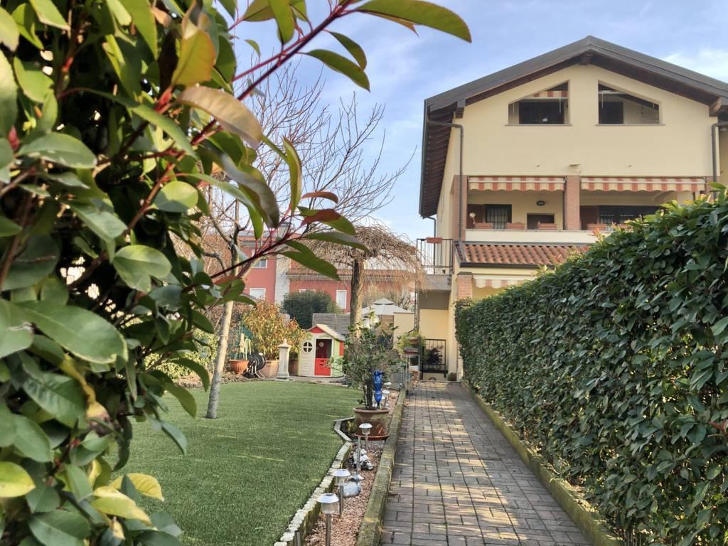 Appartamento-4-locali-giardino-in-vendita-Busnago