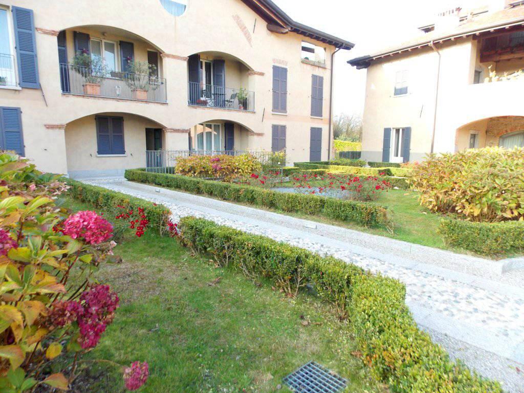 Appartamento-con-giardino-privato-in-vendita-a-Castello-di-Brianza-10