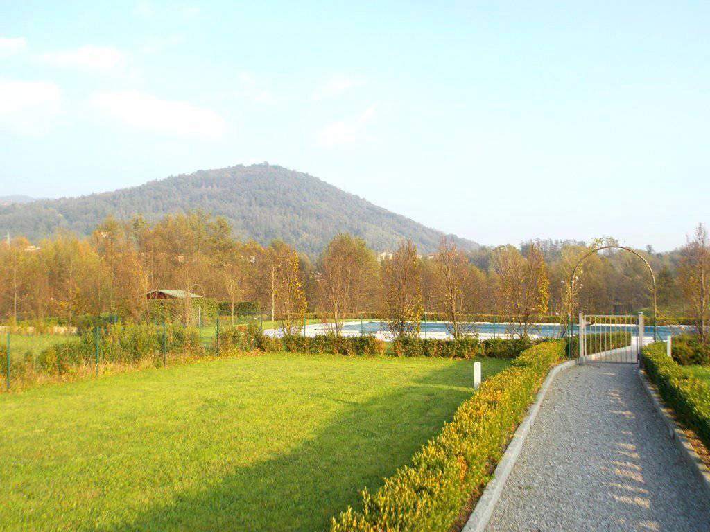 Appartamento-con-giardino-privato-in-vendita-a-Castello-di-Brianza-12