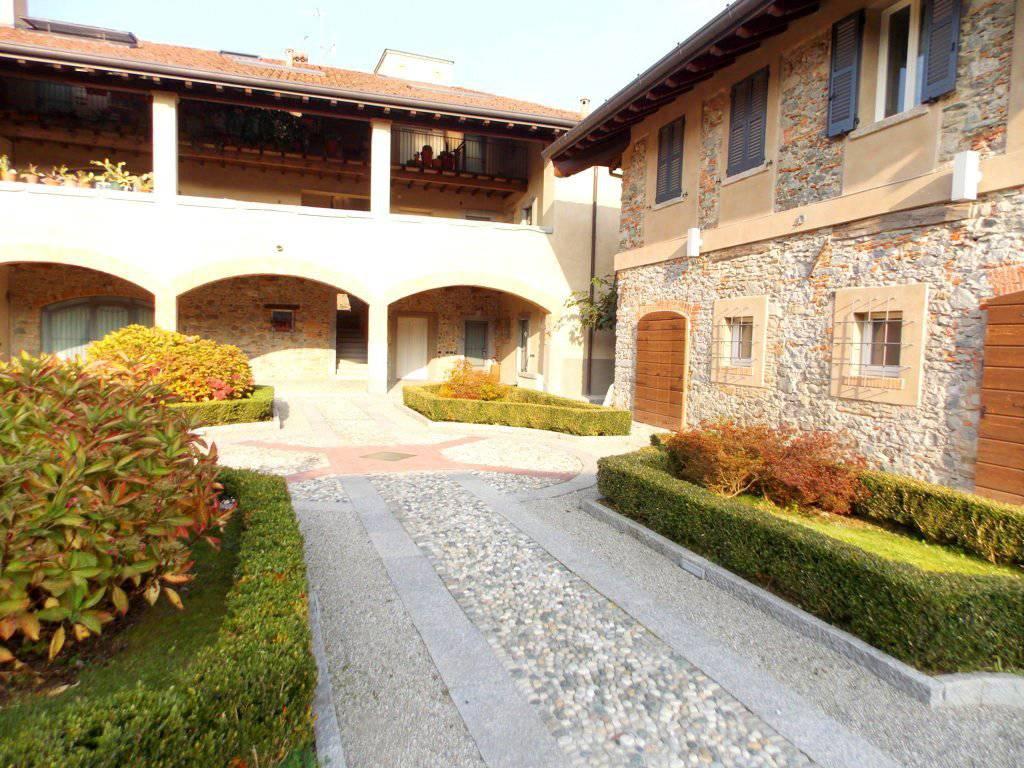Appartamento-con-giardino-privato-in-vendita-a-Castello-di-Brianza-14