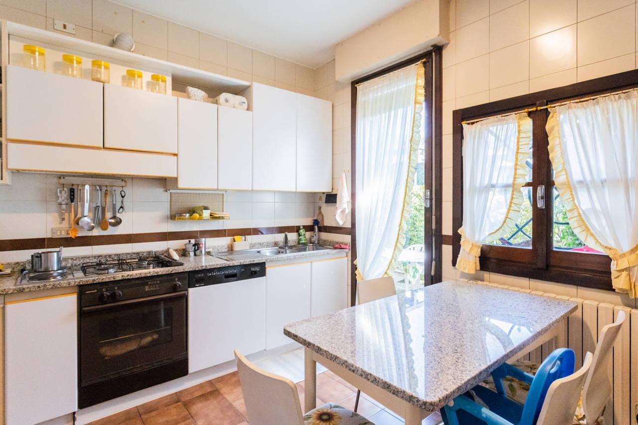 Appartamento-con-giardino-privato-in-vendita-a-Lesmo-11