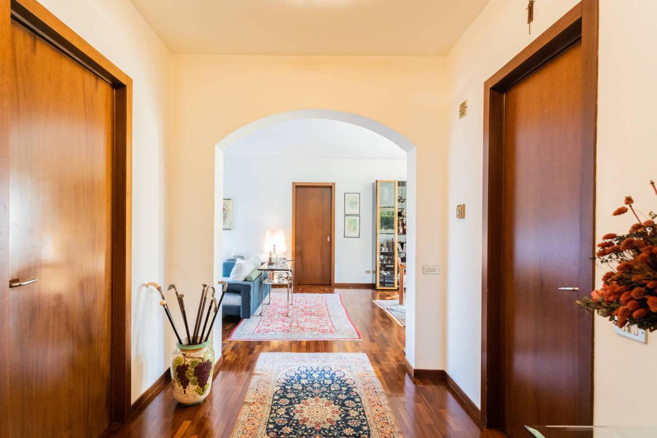 Appartamento-con-giardino-privato-in-vendita-a-Lesmo-18