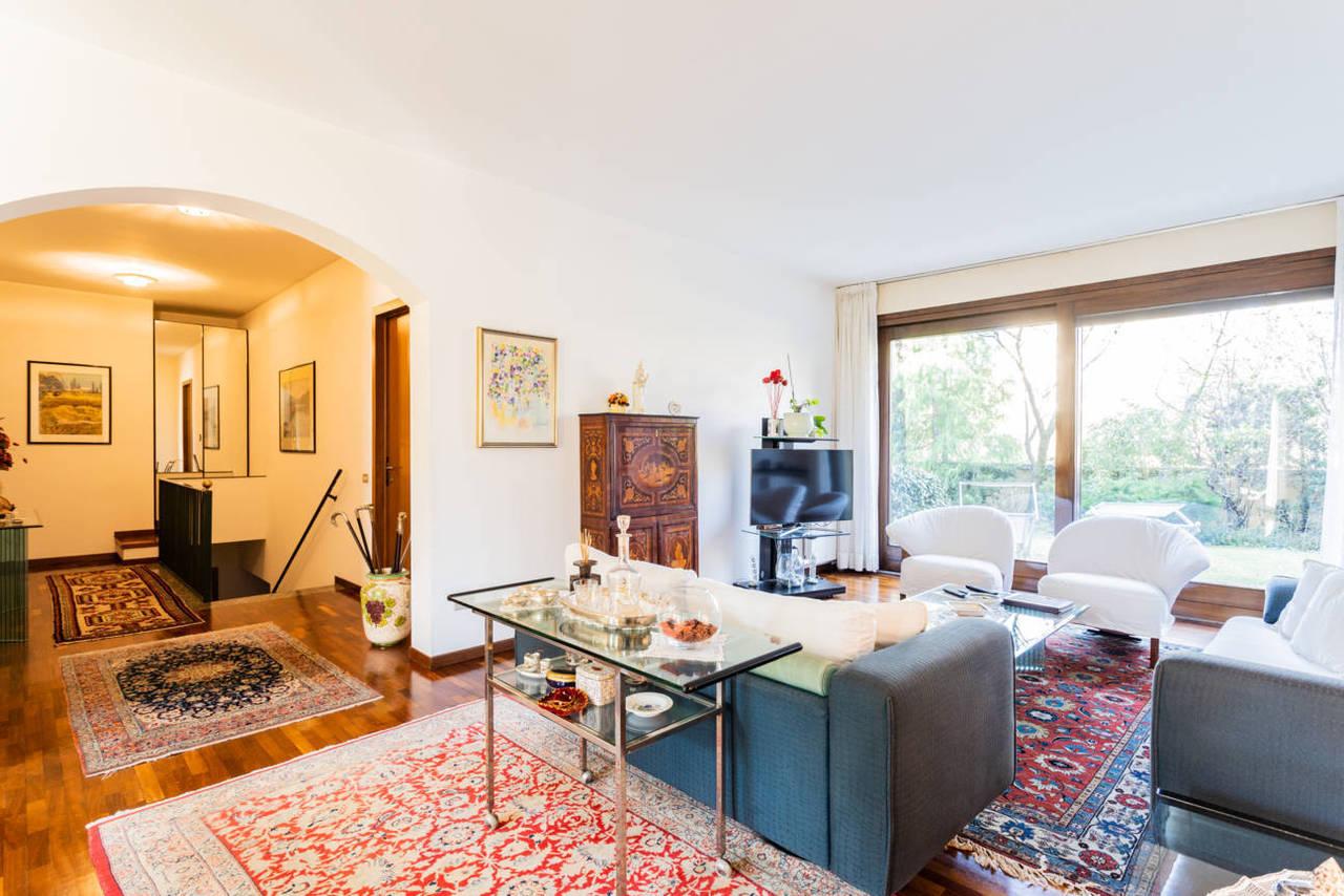 Appartamento-con-giardino-privato-in-vendita-a-Lesmo-5