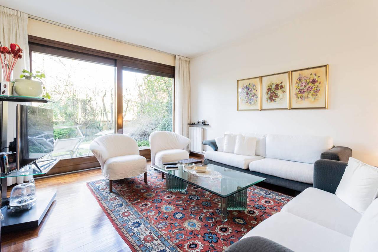 Appartamento-con-giardino-privato-in-vendita-a-Lesmo