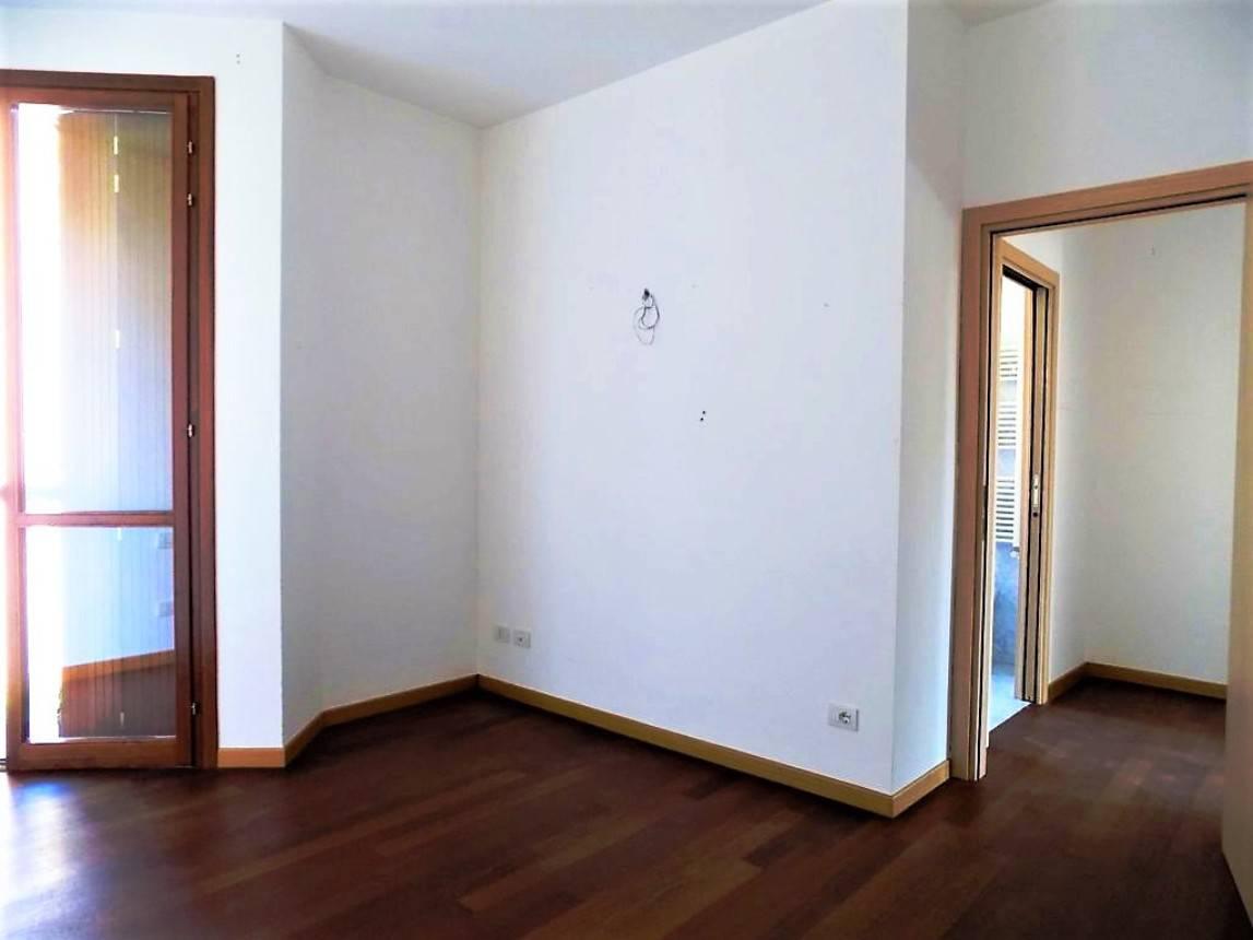 Appartamento-con-terrazzo-in-vendita-a-Merate-11