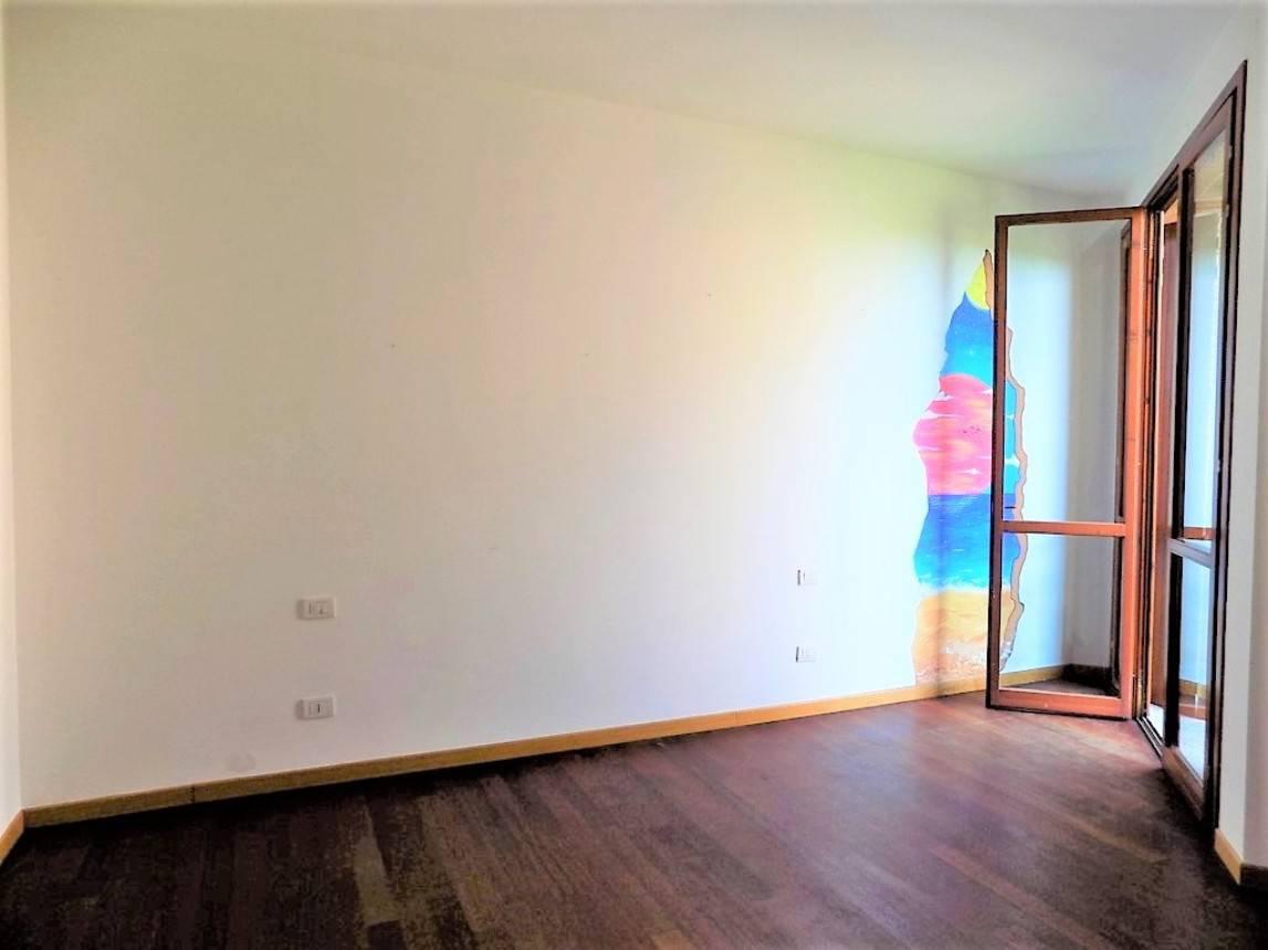 Appartamento-con-terrazzo-in-vendita-a-Merate-13