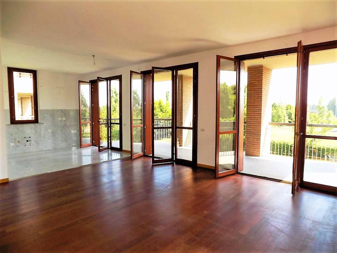 Appartamento-con-terrazzo-in-vendita-a-Merate-3