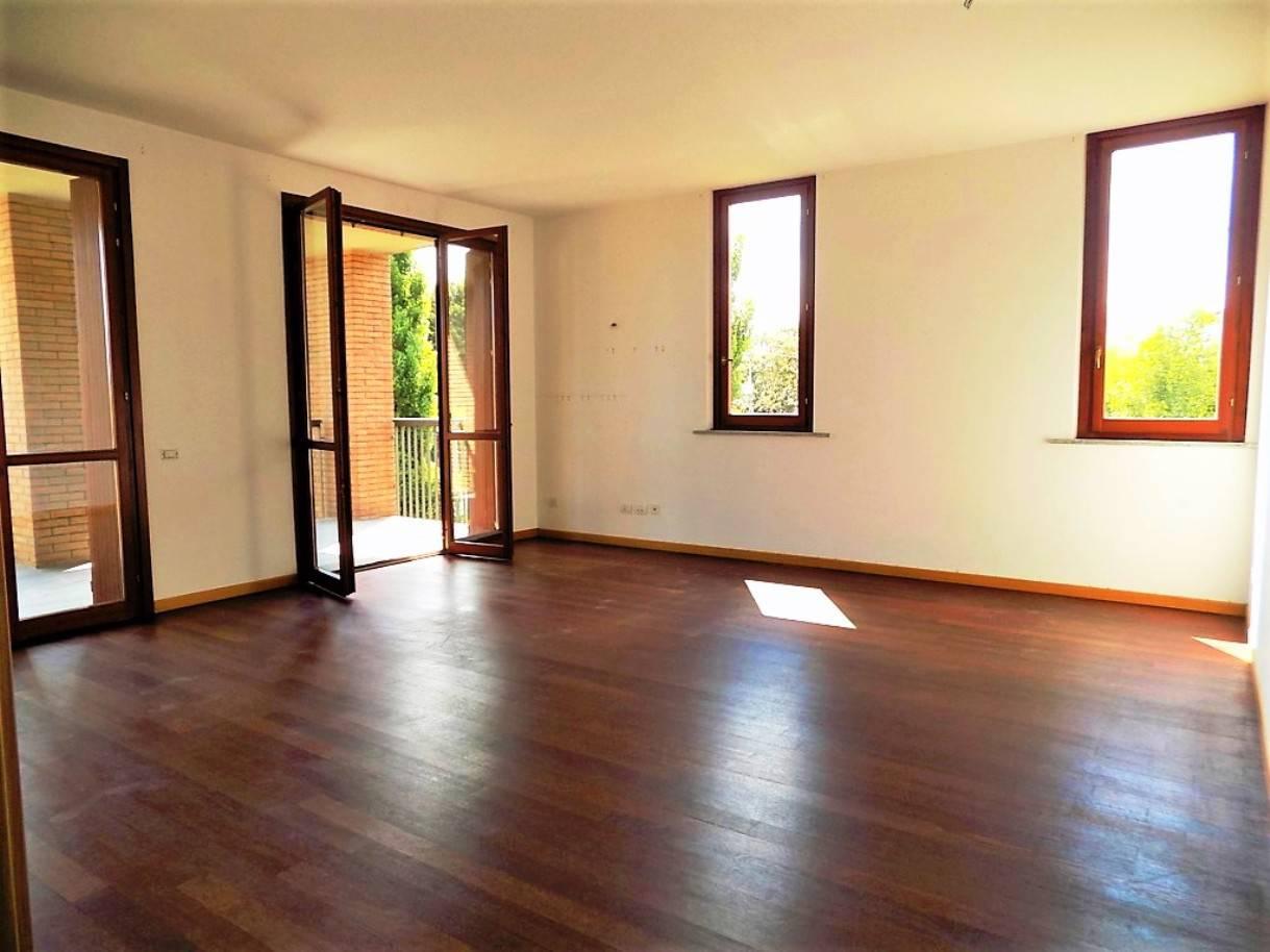 Appartamento-con-terrazzo-in-vendita-a-Merate-5