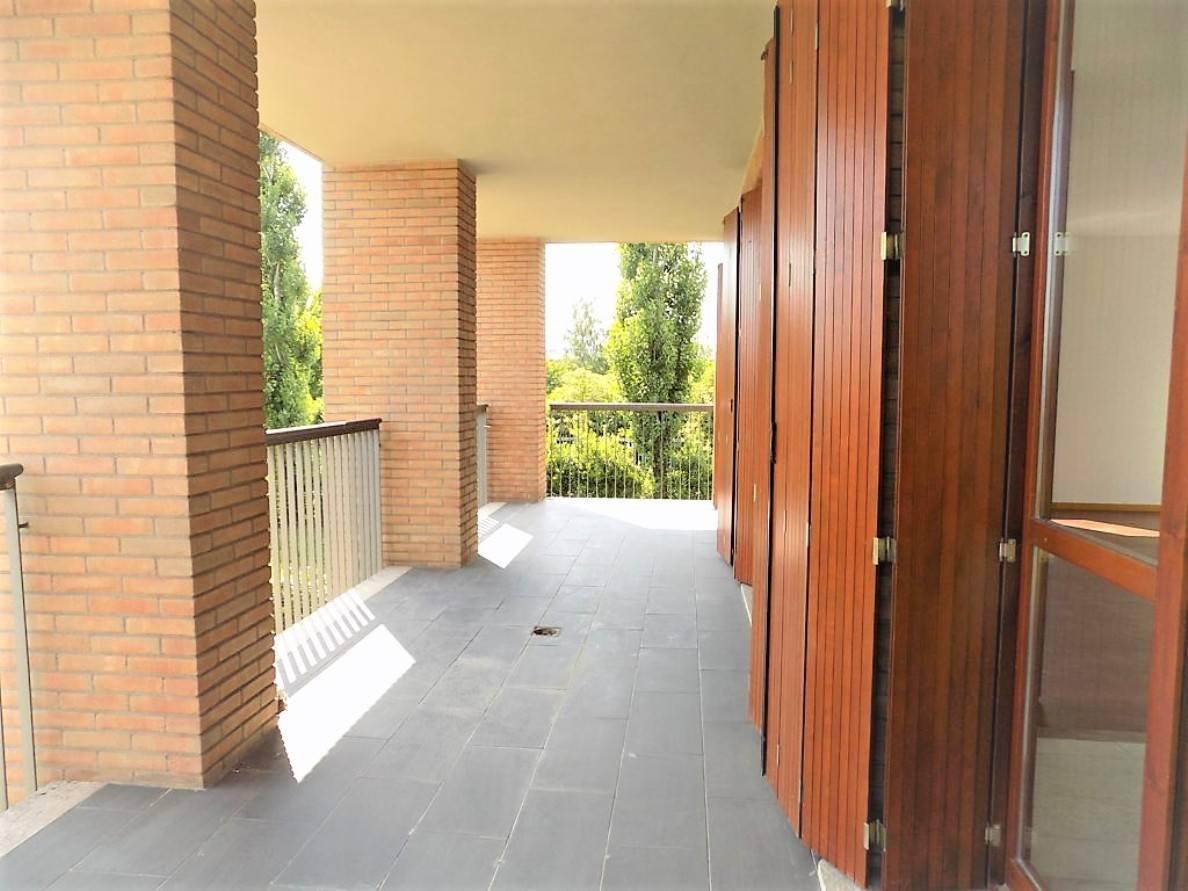 Appartamento-con-terrazzo-in-vendita-a-Merate-6