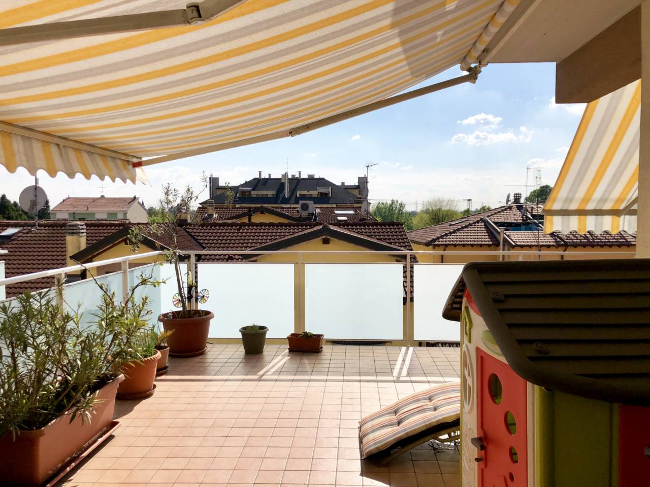 Appartamento con terrazzo in vendita a San Giuliano Milanese