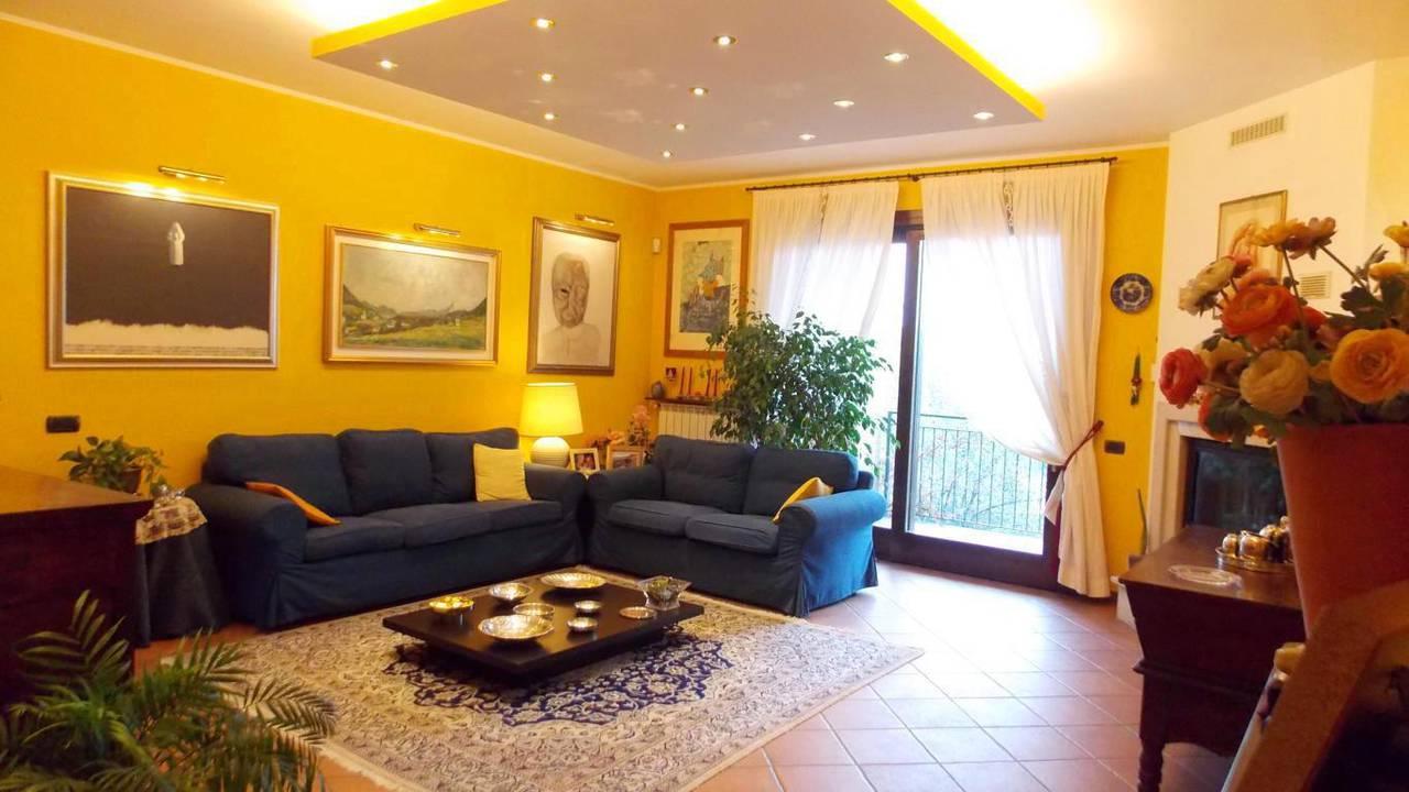 Appartamento-di-ampia-metratura-in-vendita-a-Carnate-13