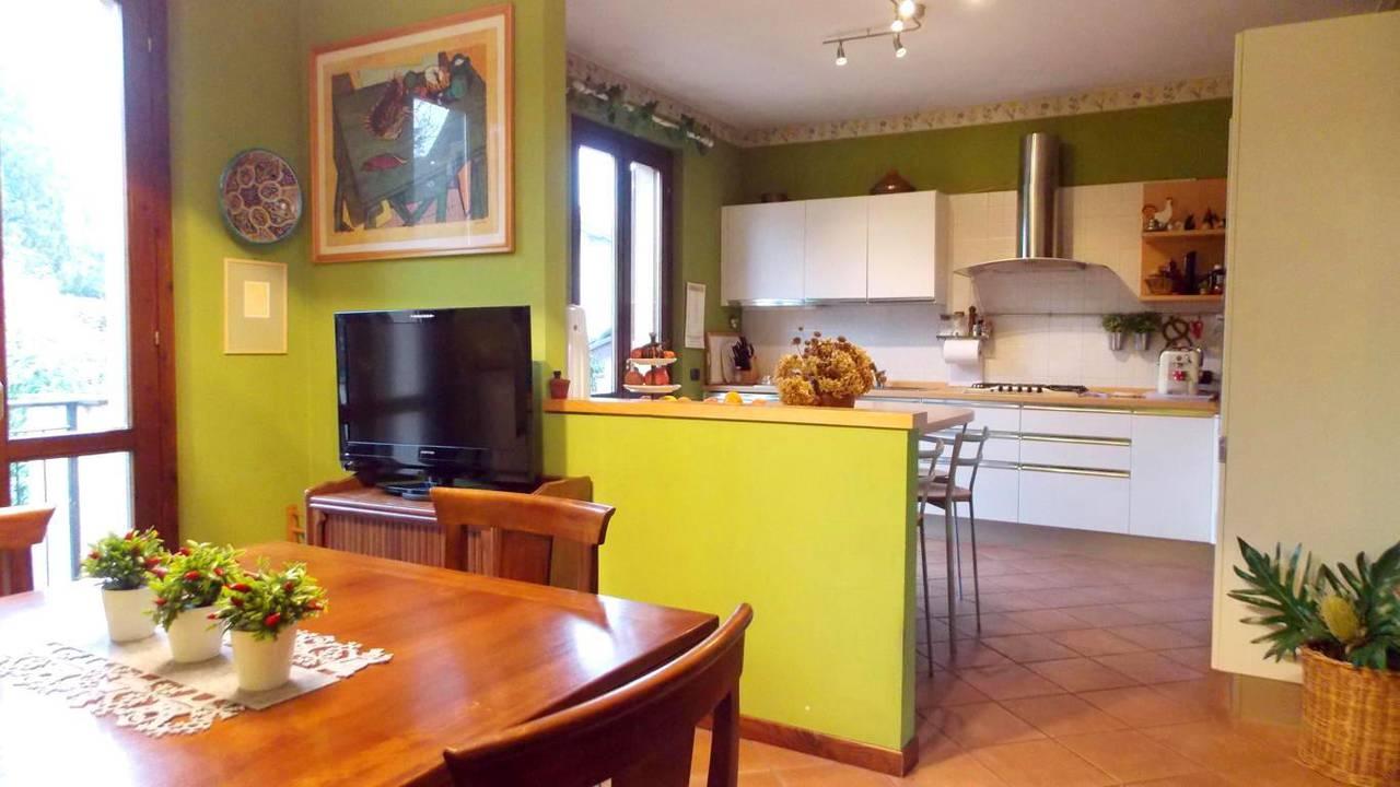 Appartamento-di-ampia-metratura-in-vendita-a-Carnate-14