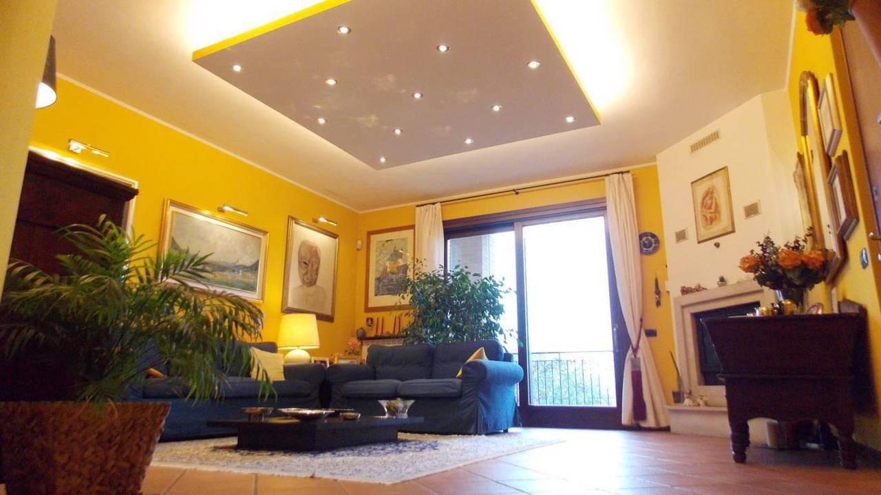 Appartamento-di-ampia-metratura-in-vendita-a-Carnate-4