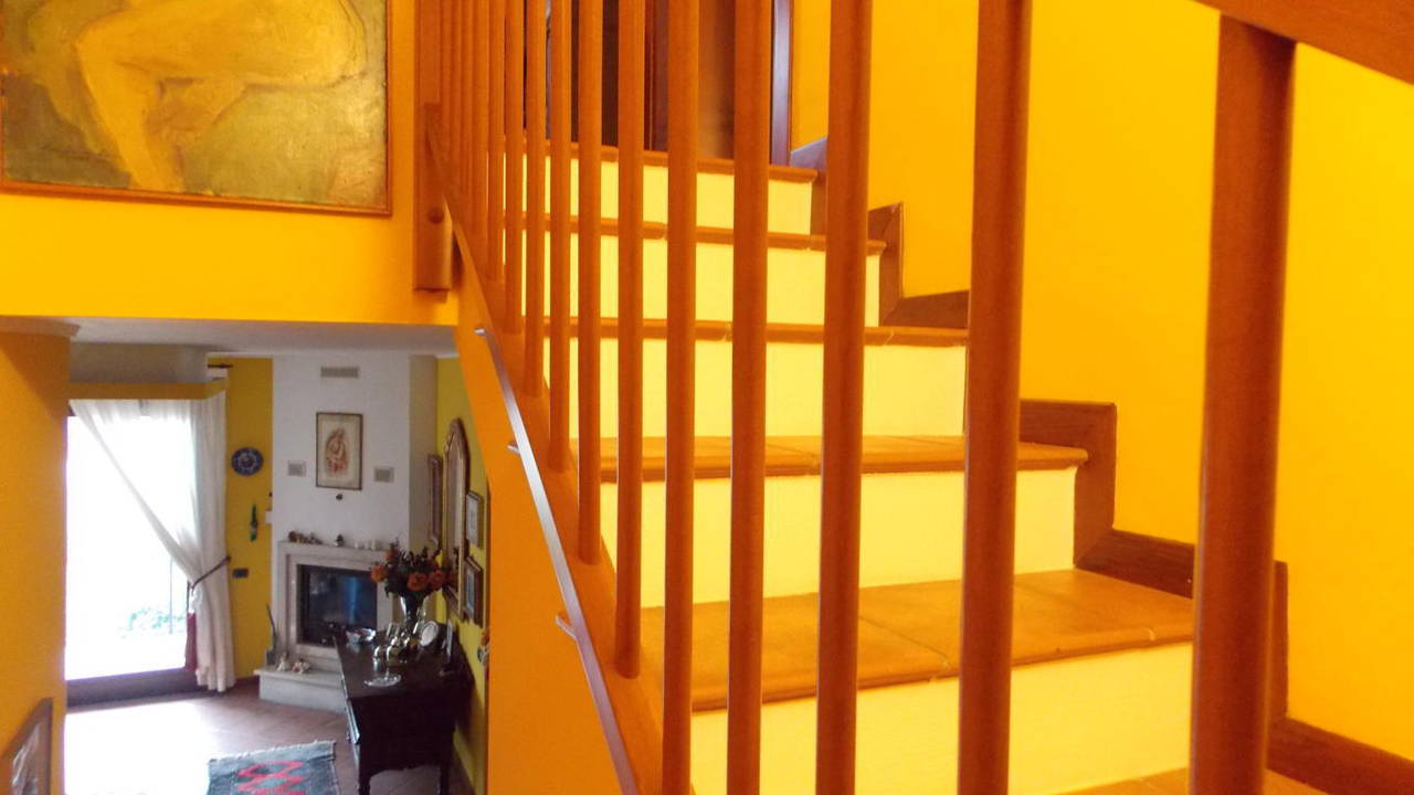 Appartamento-di-ampia-metratura-in-vendita-a-Carnate-9