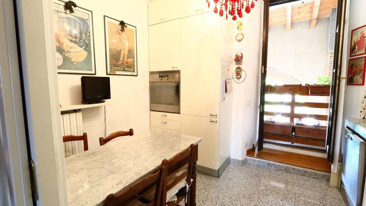 Appartamento-di-pregio-in-dimora-d39epoca-in-vendita-a-Vimercate-12