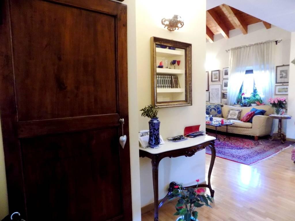 Appartamento-di-pregio-in-dimora-d39epoca-in-vendita-a-Vimercate-16