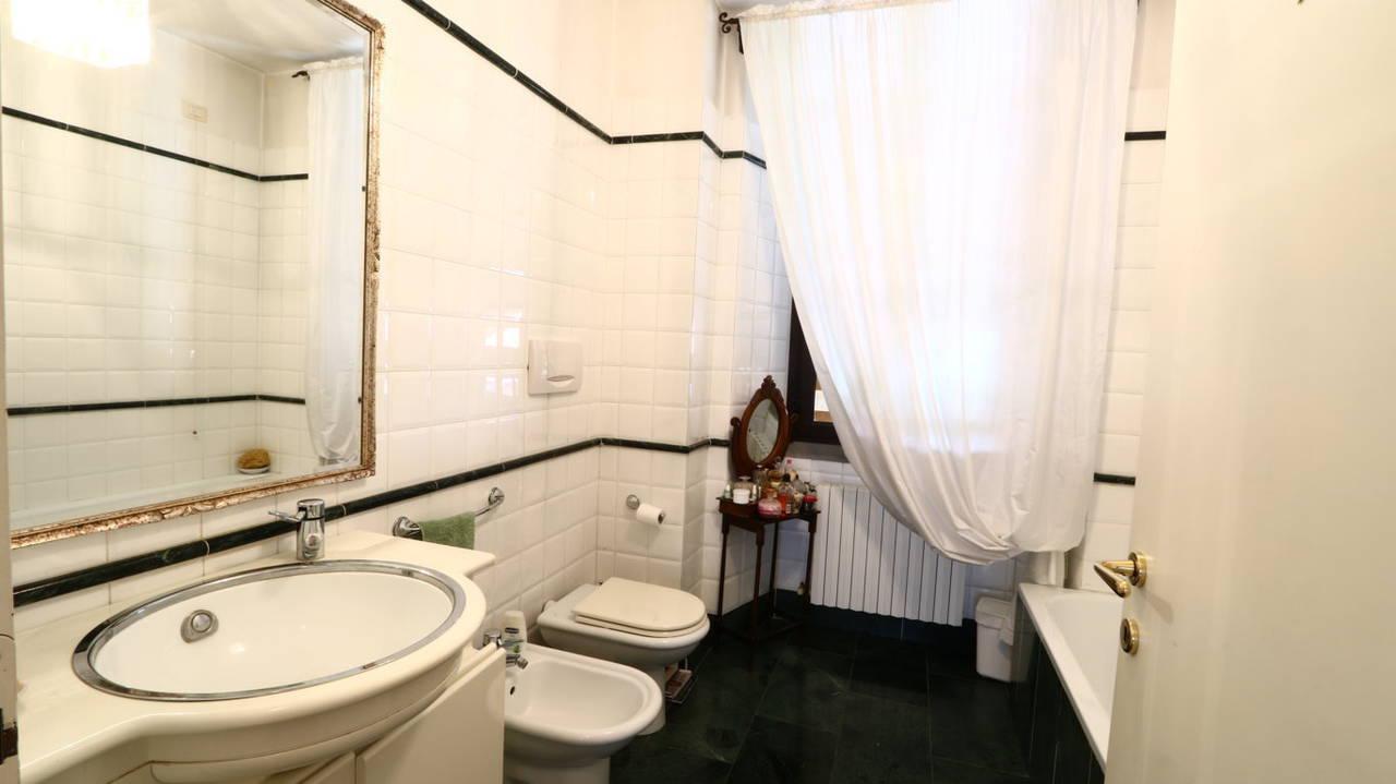 Appartamento-di-pregio-in-dimora-d39epoca-in-vendita-a-Vimercate-21