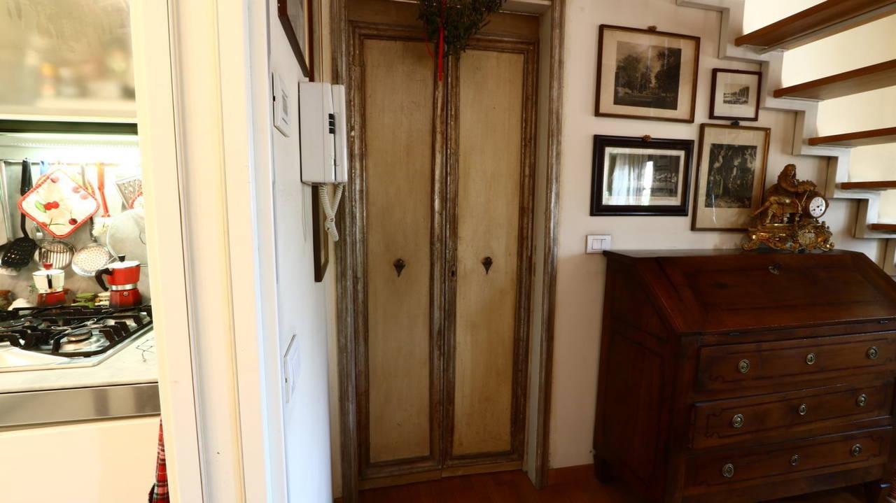 Appartamento-di-pregio-in-dimora-d39epoca-in-vendita-a-Vimercate-23