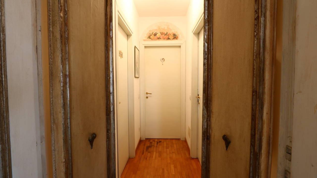 Appartamento-di-pregio-in-dimora-d39epoca-in-vendita-a-Vimercate-24
