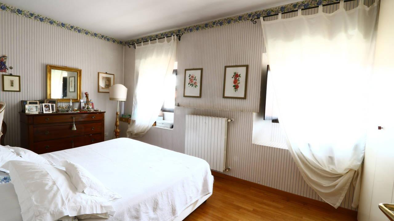 Appartamento-di-pregio-in-dimora-d39epoca-in-vendita-a-Vimercate-5