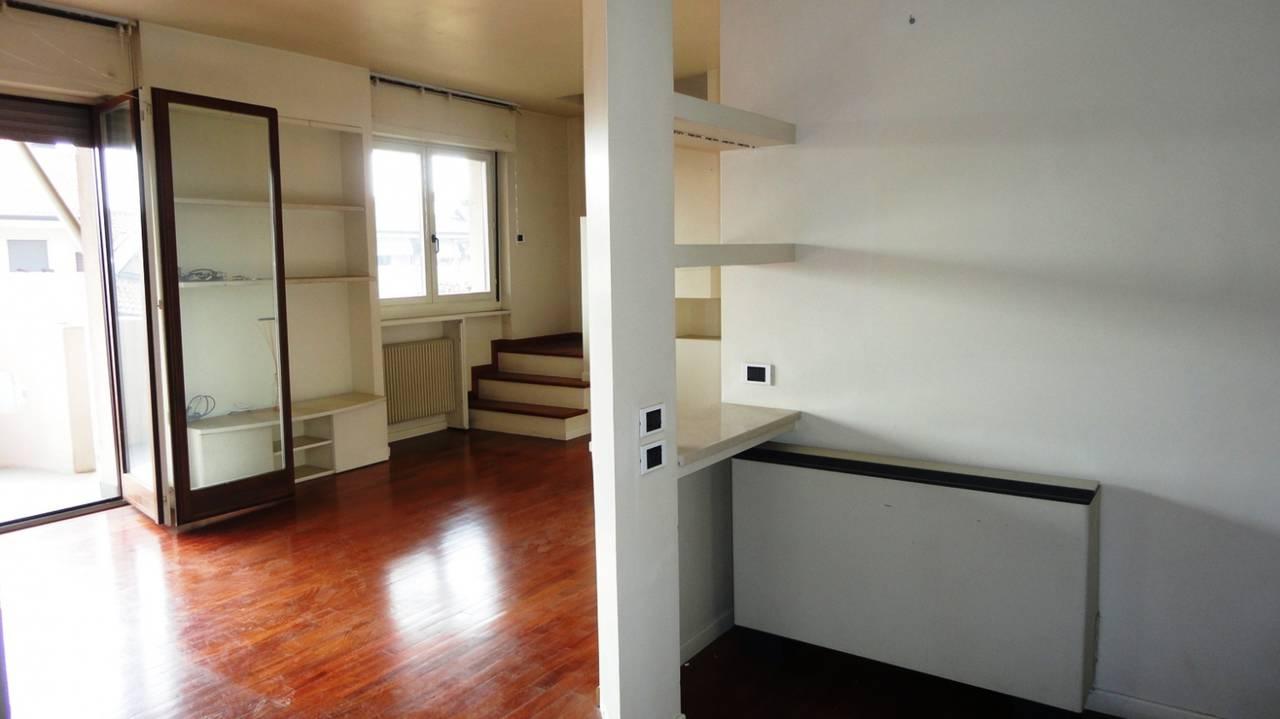 Appartamento-in-vendita-ultimo-piano-a-Vimercate-11