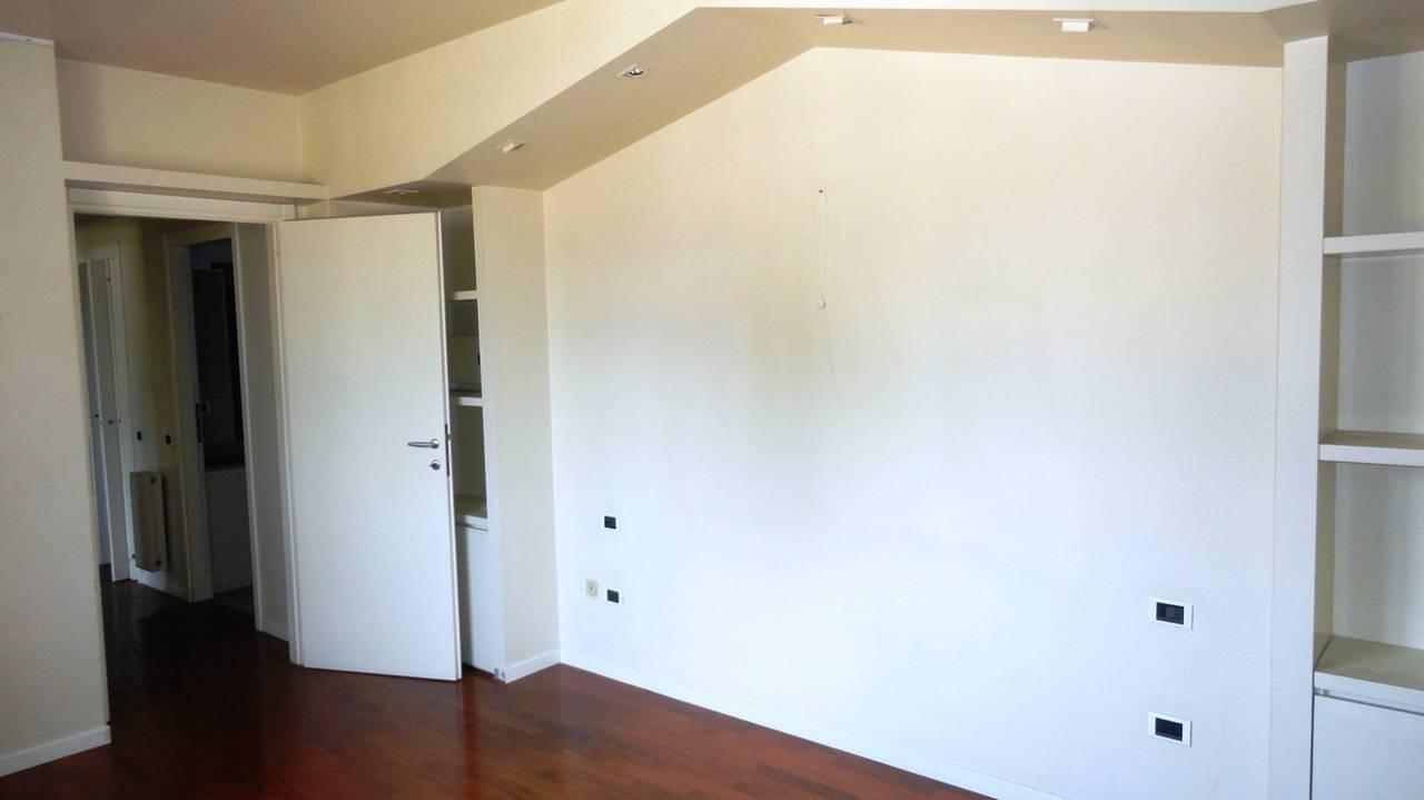 Appartamento-in-vendita-ultimo-piano-a-Vimercate-8