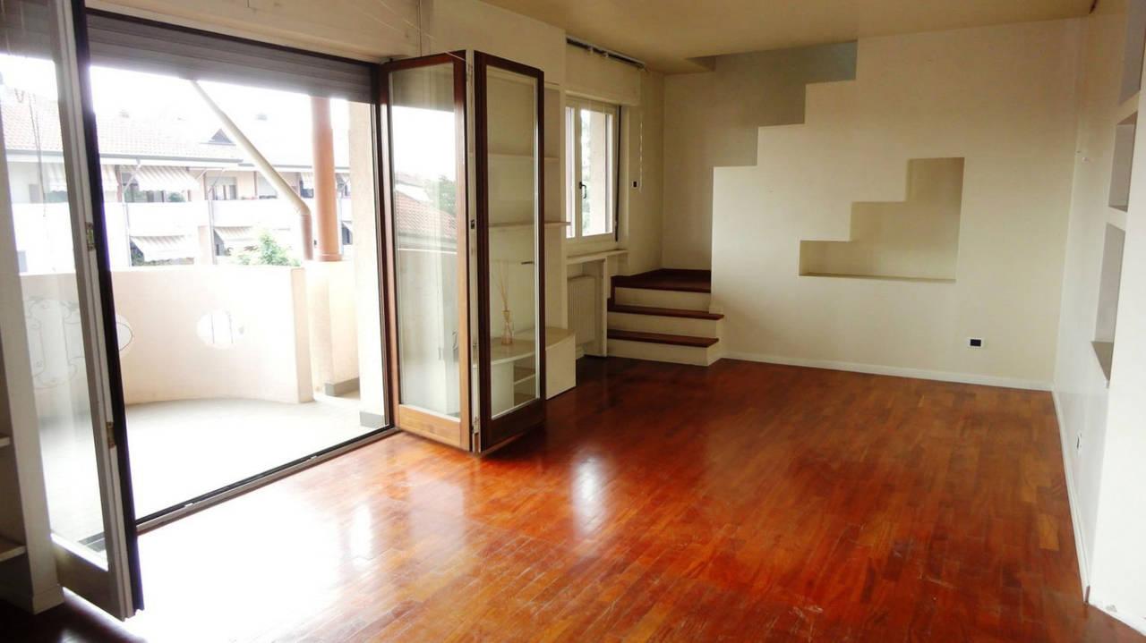 Appartamento-in-vendita-ultimo-piano-a-Vimercate