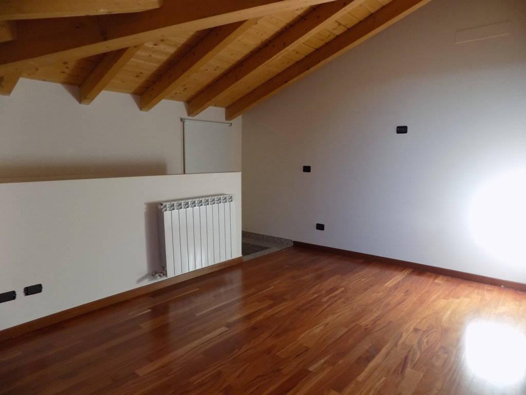 Appartamento-ultimo-piano-in-vendita-a-Busnago-in-Brianza-16