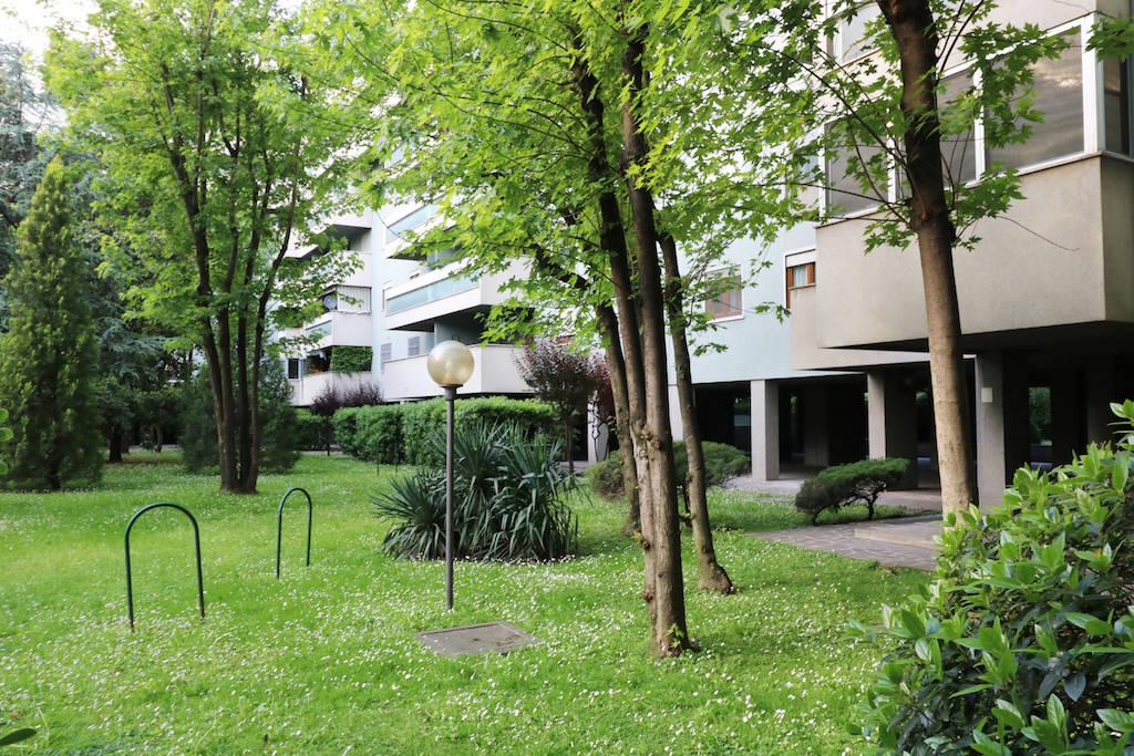 Attico-con-ampio-terrazzo-in-vendita-a-Milano-8