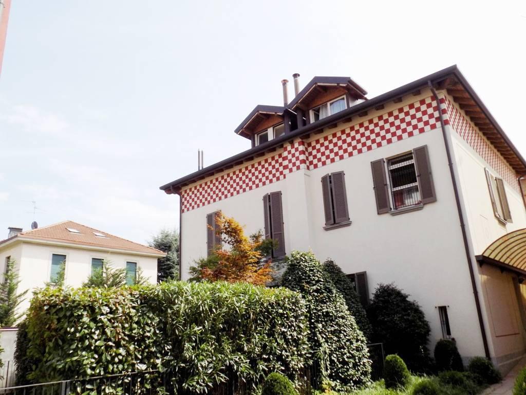 Attico-in-vendita-a-Monza-centro-4