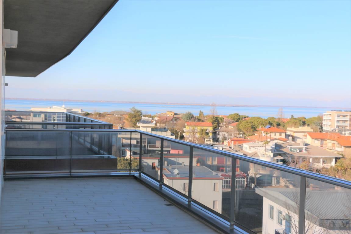 Attico-vista-mare-in-vendita-a-Lignano-Sabbiadoro-10