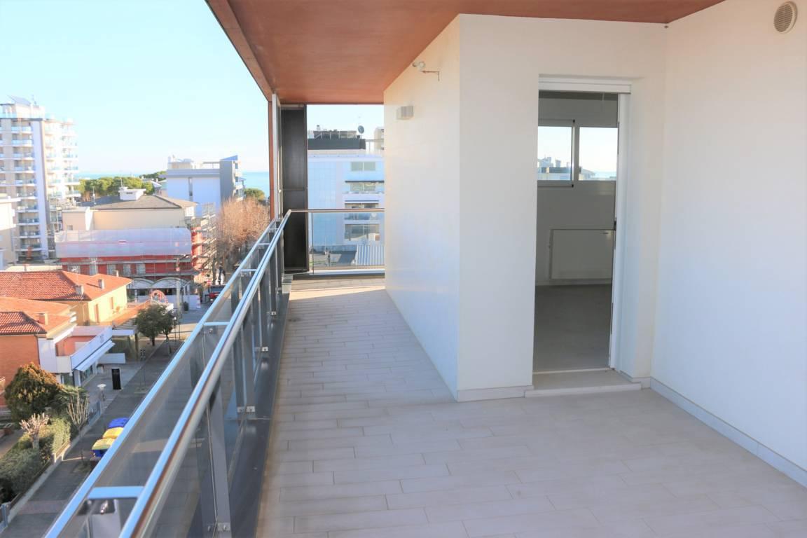 Attico-vista-mare-in-vendita-a-Lignano-Sabbiadoro-11