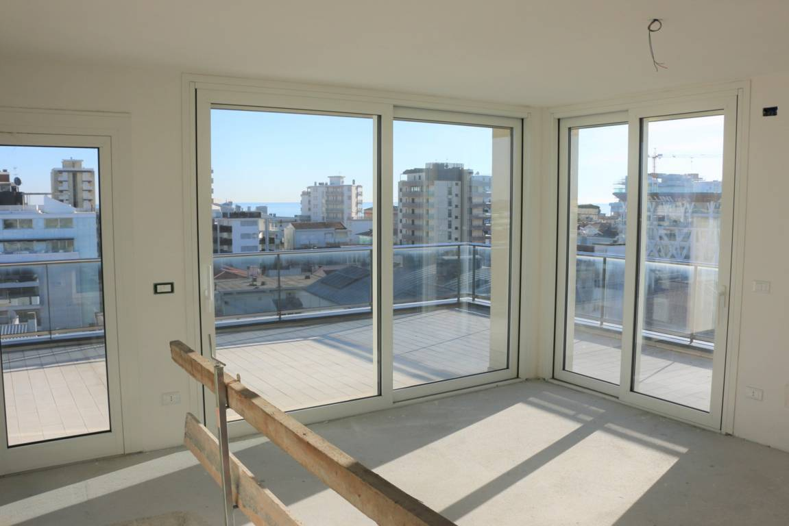 Attico-vista-mare-in-vendita-a-Lignano-Sabbiadoro-4