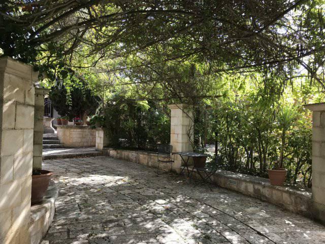 B-and-B-in-vendita-a-Cisternino-in-Puglia-25