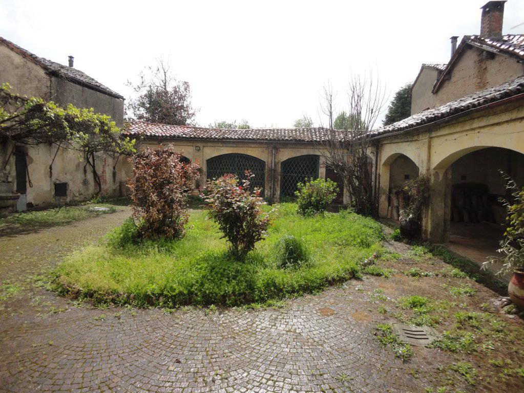 Casale-in-vendita-a-Borgo-San-Siro-Pavia-1