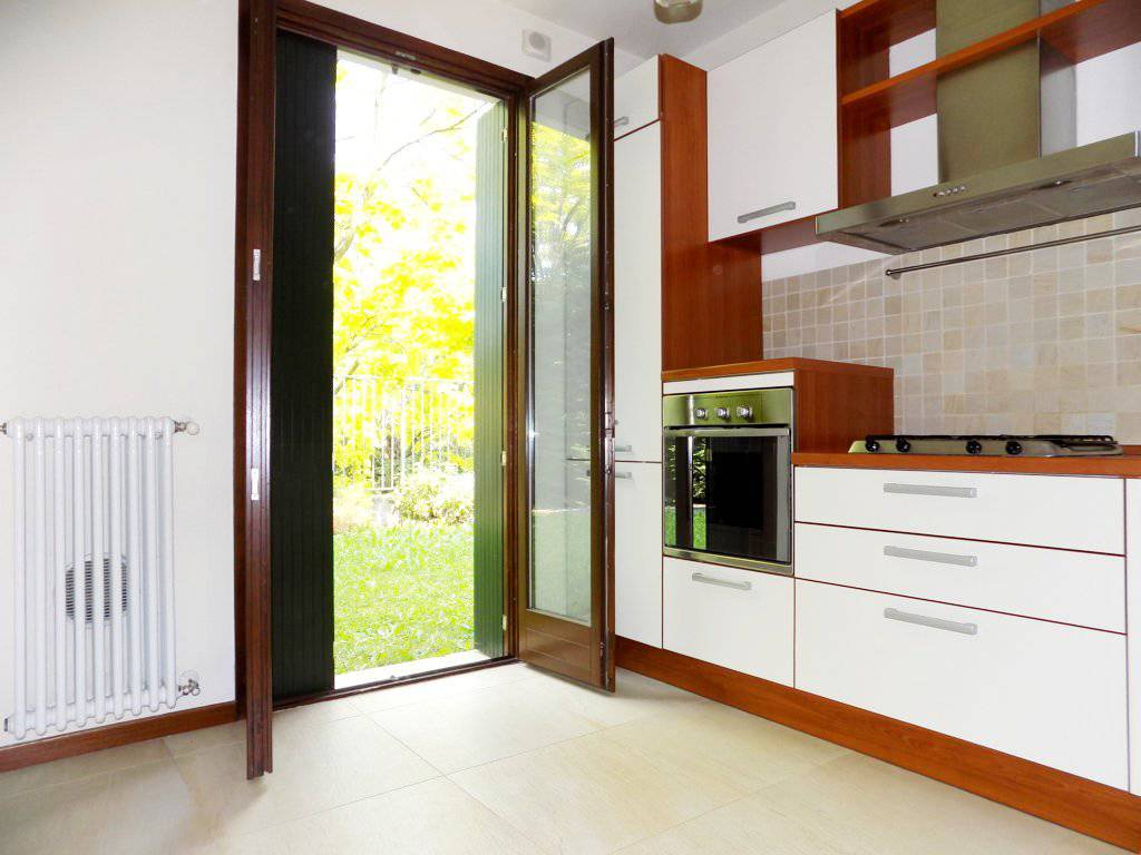 Case-in-vendita-con-giardino-a-Bernareggio-11