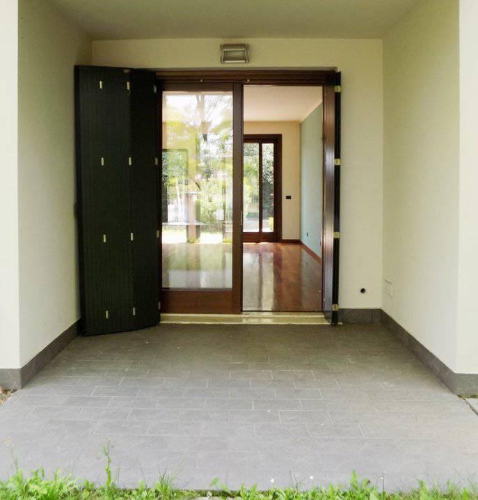 Case-in-vendita-con-giardino-a-Bernareggio-12