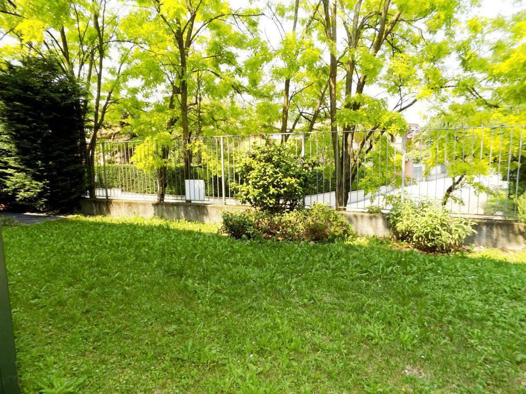 Case-in-vendita-con-giardino-a-Bernareggio-16