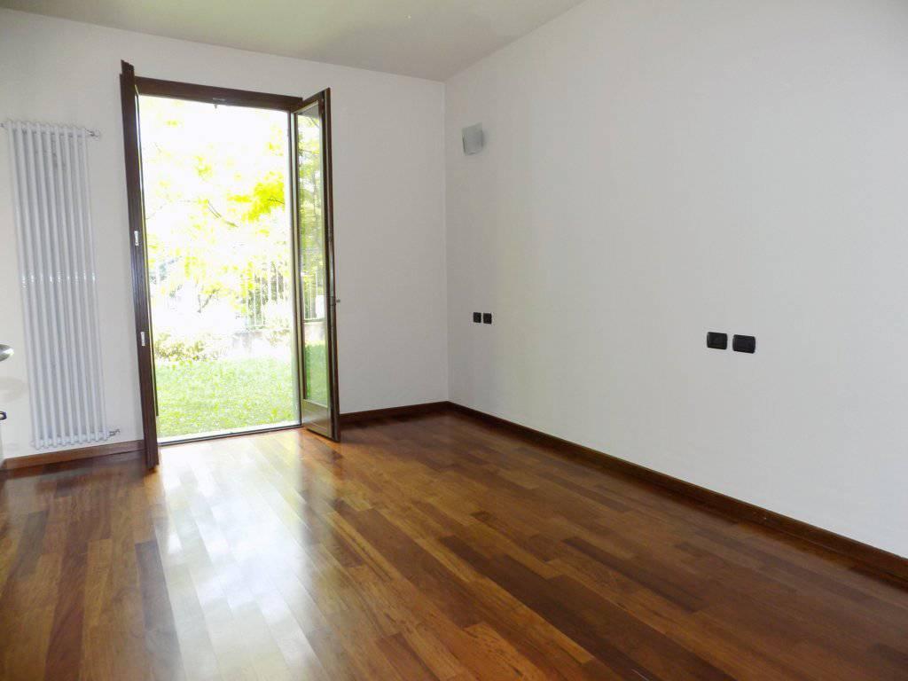 Case-in-vendita-con-giardino-a-Bernareggio-24