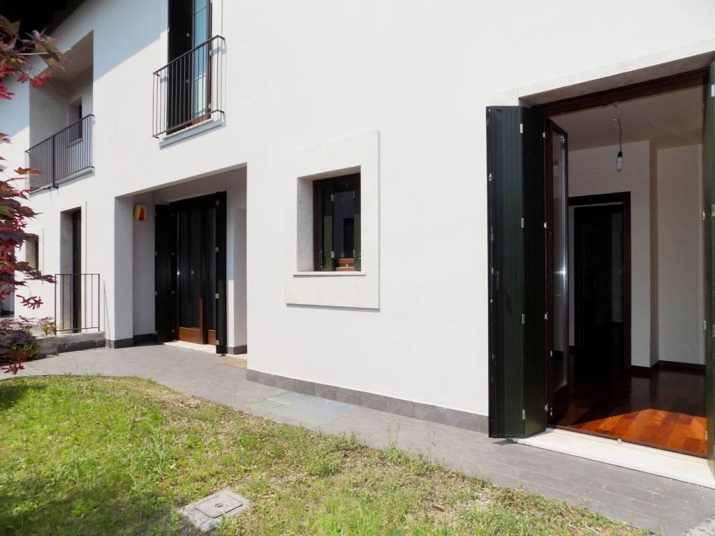 Case-in-vendita-con-giardino-a-Bernareggio-3