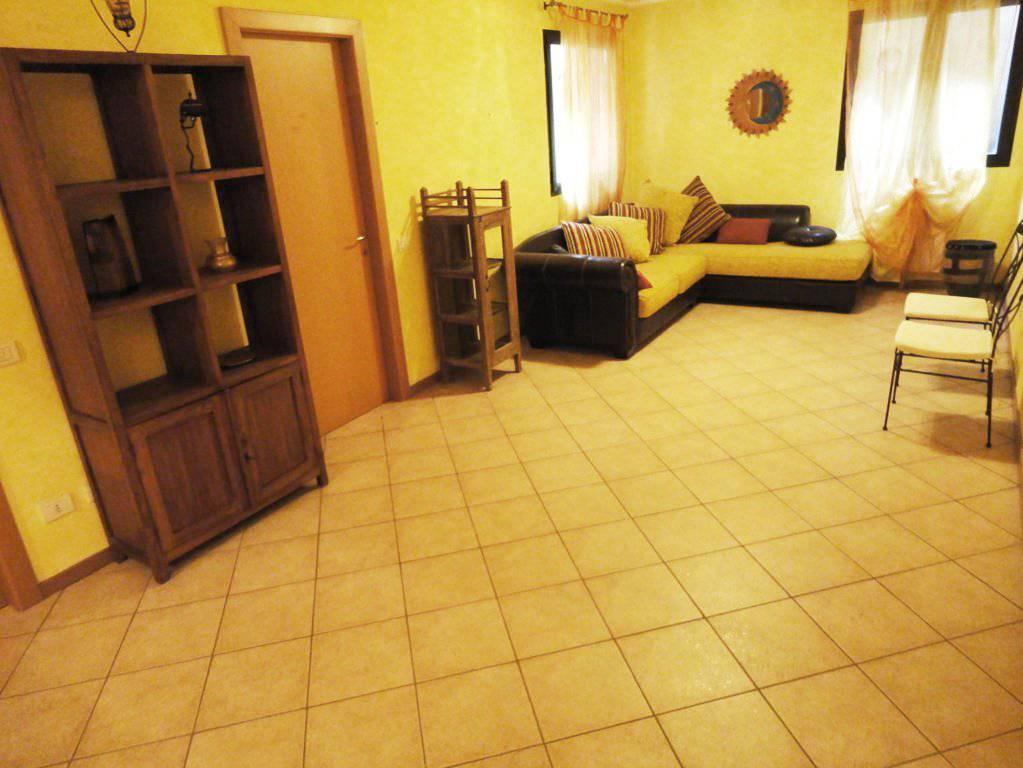 Case-in-vendita-con-giardino-a-Burago-Molgora-MB-12