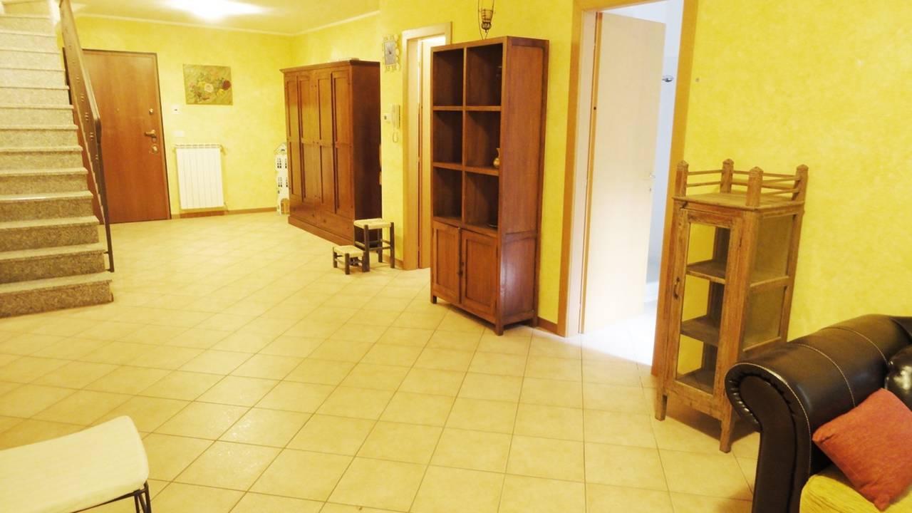 Case-in-vendita-con-giardino-a-Burago-Molgora-MB-13