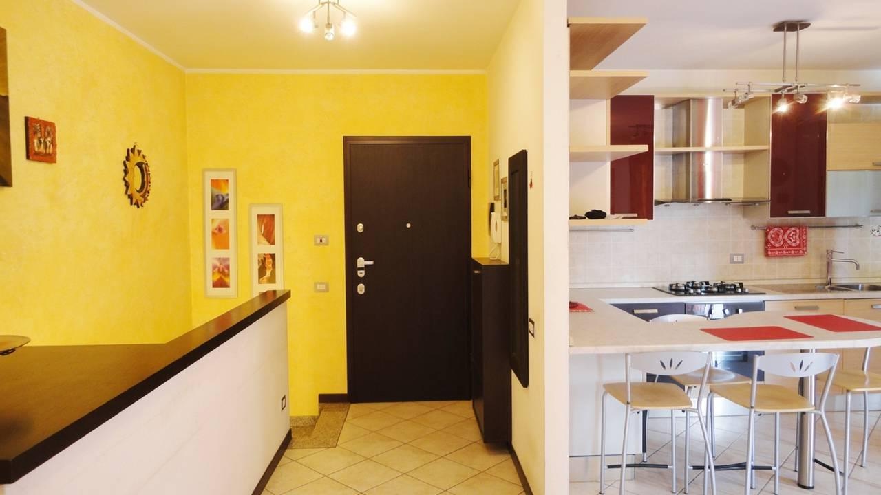 Case-in-vendita-con-giardino-a-Burago-Molgora-MB-25