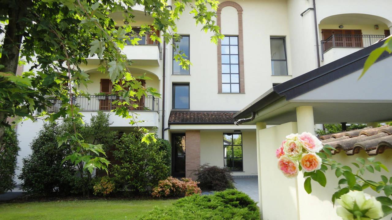 Case-in-vendita-con-giardino-a-Burago-Molgora-MB