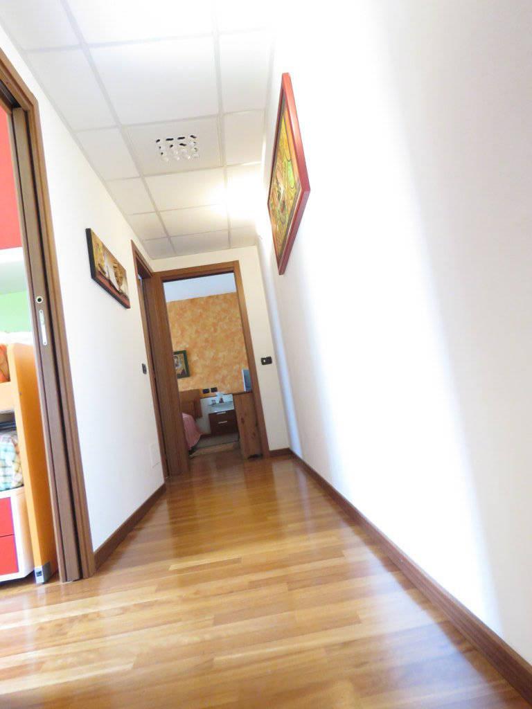 Case-in-vendita-con-giardino-in-Cavenago-Brianza-11
